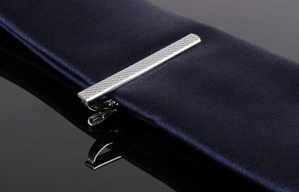 pince cravate quel bijou. Black Bedroom Furniture Sets. Home Design Ideas