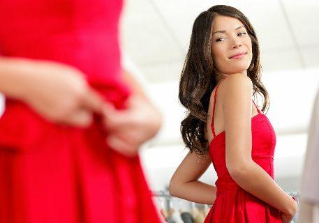 Quel bijoux porter avec une robe rouge ?