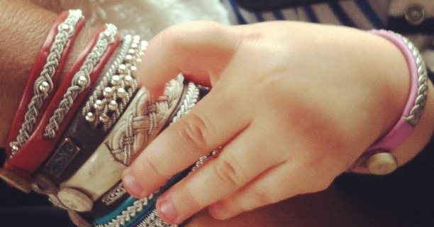Quels bijoux offrir à une maman ?