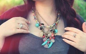 Quels bijoux porter pour être à la mode ?