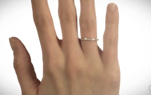 Comment choisir des alliances en or blanc serties de diamant pour son mariage