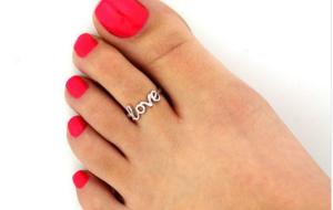 Quel bijou pour embellir ses pieds?