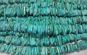 Qu'est ce que la turquoise ? Pourquoi plait-elle sur les bijoux ?